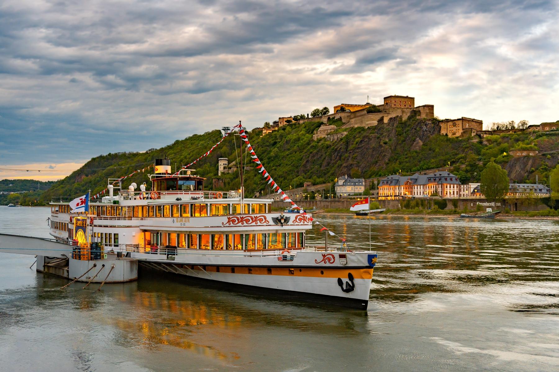 Koblenz ist die größte Stadt im Moseltal