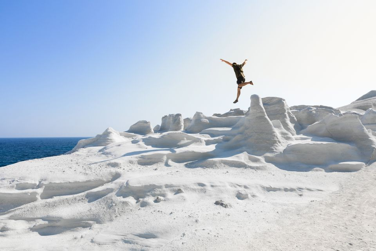 Σαρακήνικο, Μήλος, μία απ' τις πιο ξεχωριστές παραλίες της Ελλάδας
