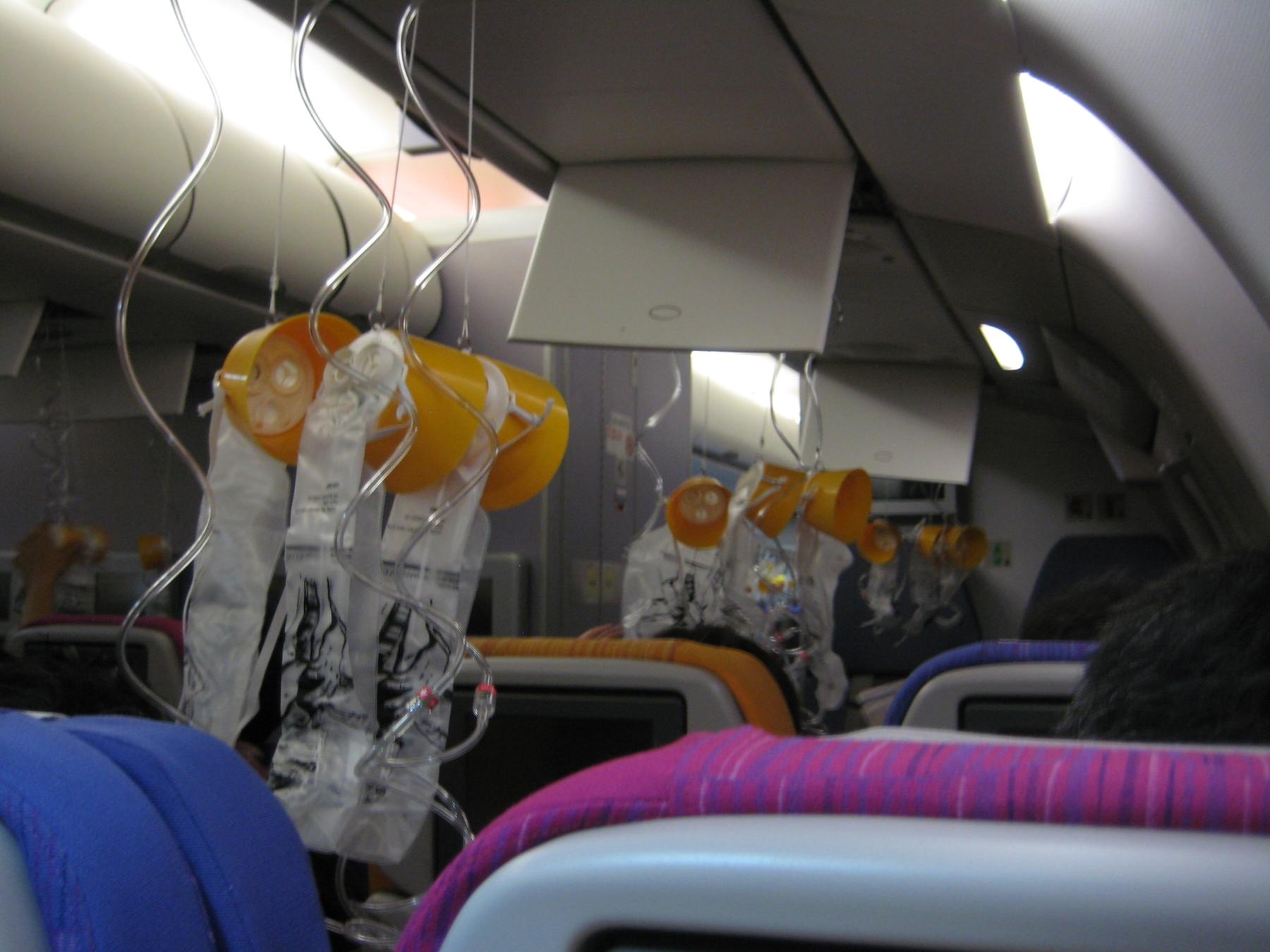 Maski tlenowe w samolocie