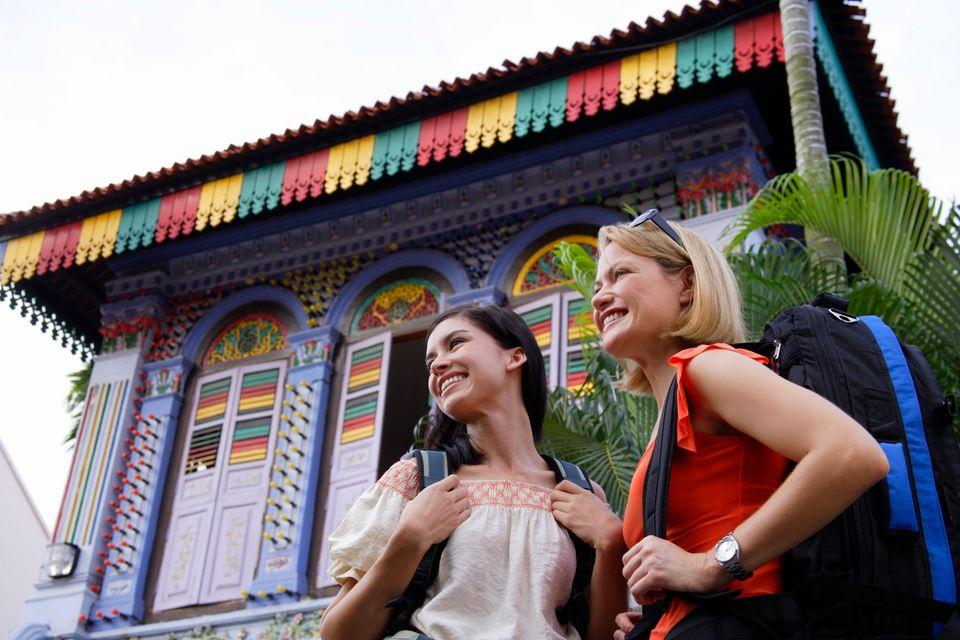 Δύο ταξιδιώτριες τριγυρίζουν στη Μικρή Ινδία - πώς να περάσετε 72 ώρες στη Σιγκαπούρη