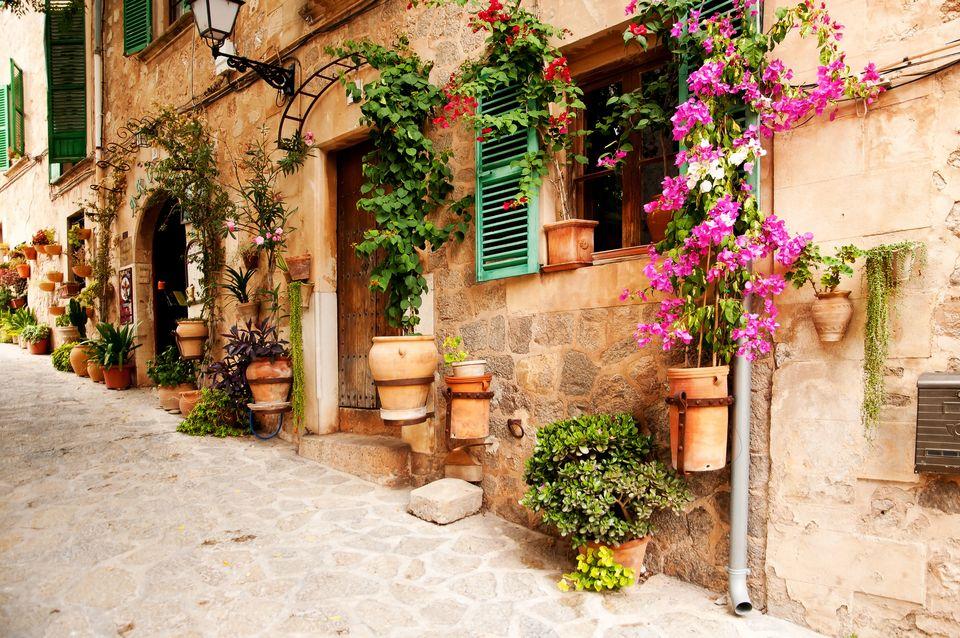 Quiet street in Spain