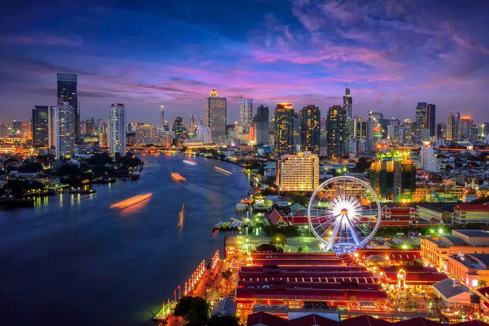 Stunning at night. Bangkok בנגקוק