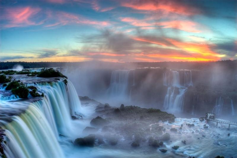 Водопад Игуасу в Бразилии