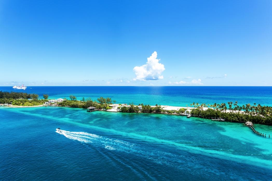 Κοραλλογενής ύφαλος στο Νασάου, Μπαχάμες - οι καλύτερες παραλίες για μπάνιο τον Δεκέμβριο