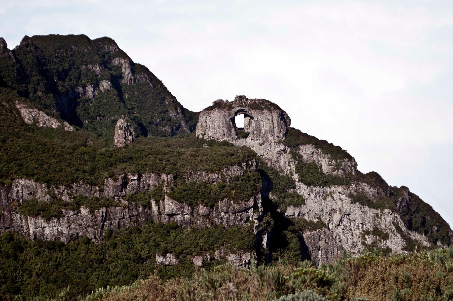 Monumento rochoso da Pedra Furada, excelente destino para as férias de julho.