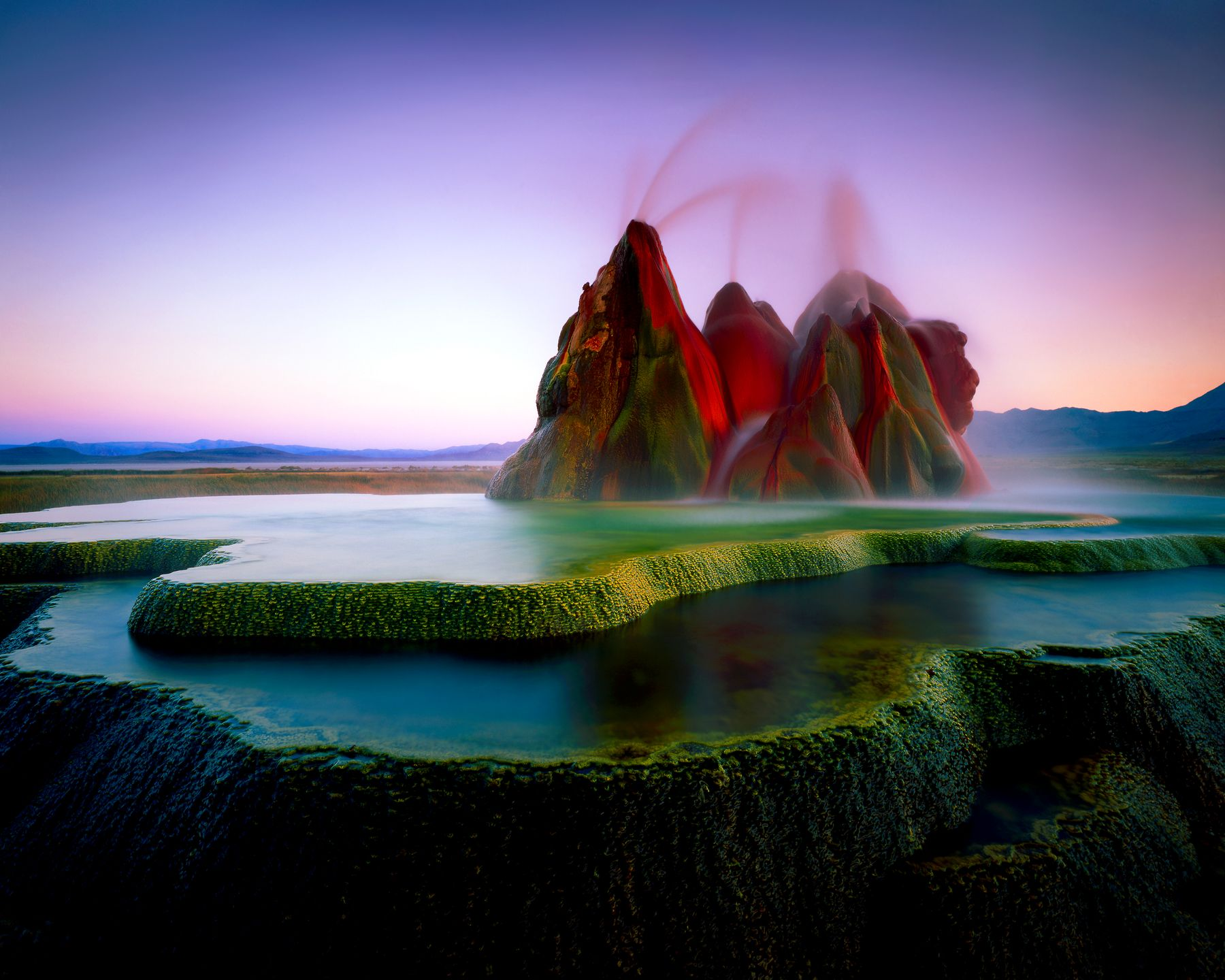 Fly Geyser in Nevada, USA - 10 amazing natural wonders of the world