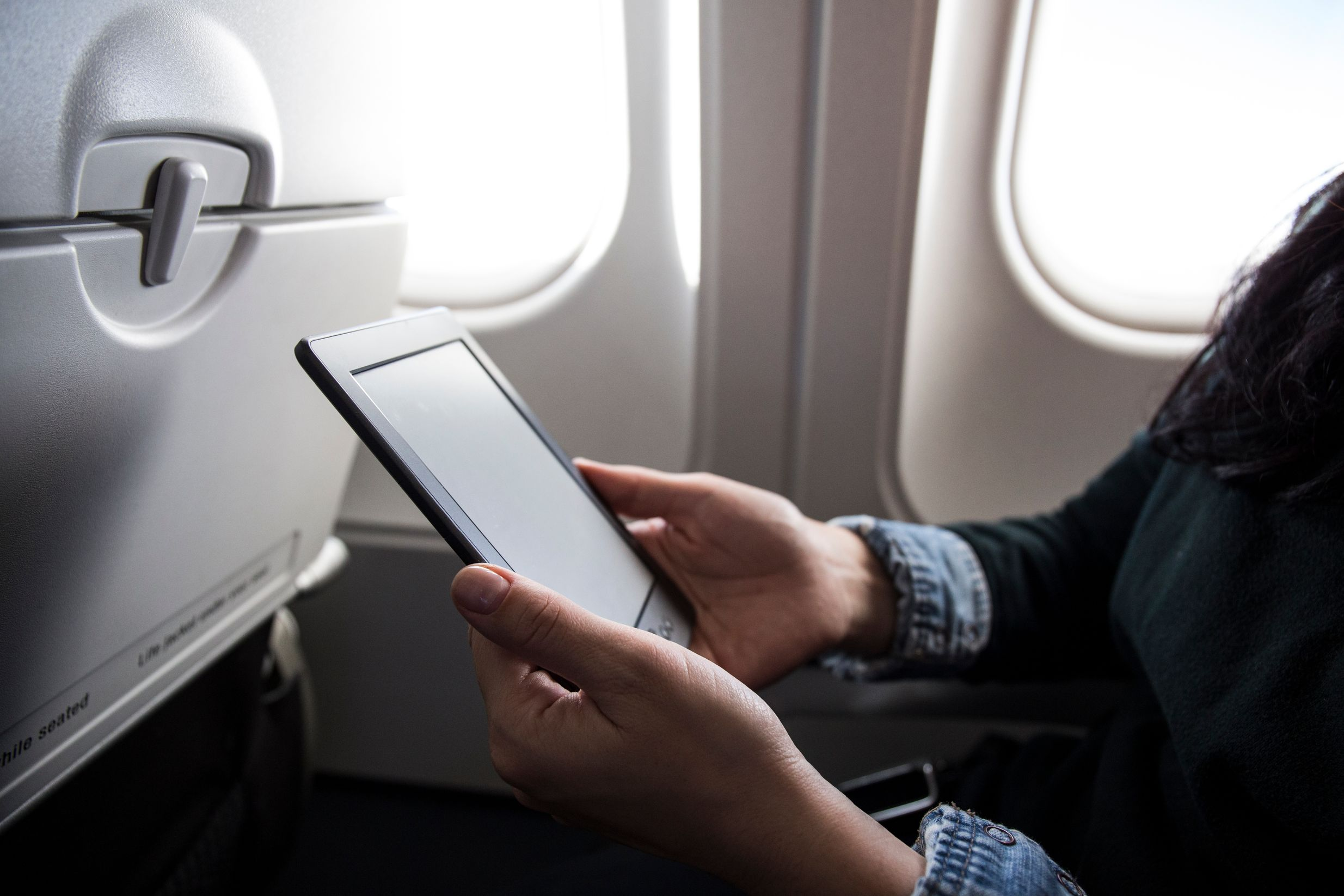 Reading on a plane - how to overcome your fear of flying