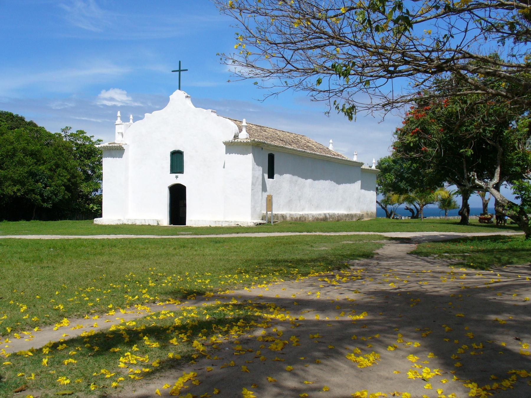 """Igreja de São João no """"Quadrado"""" de Trancoso na Bahia"""