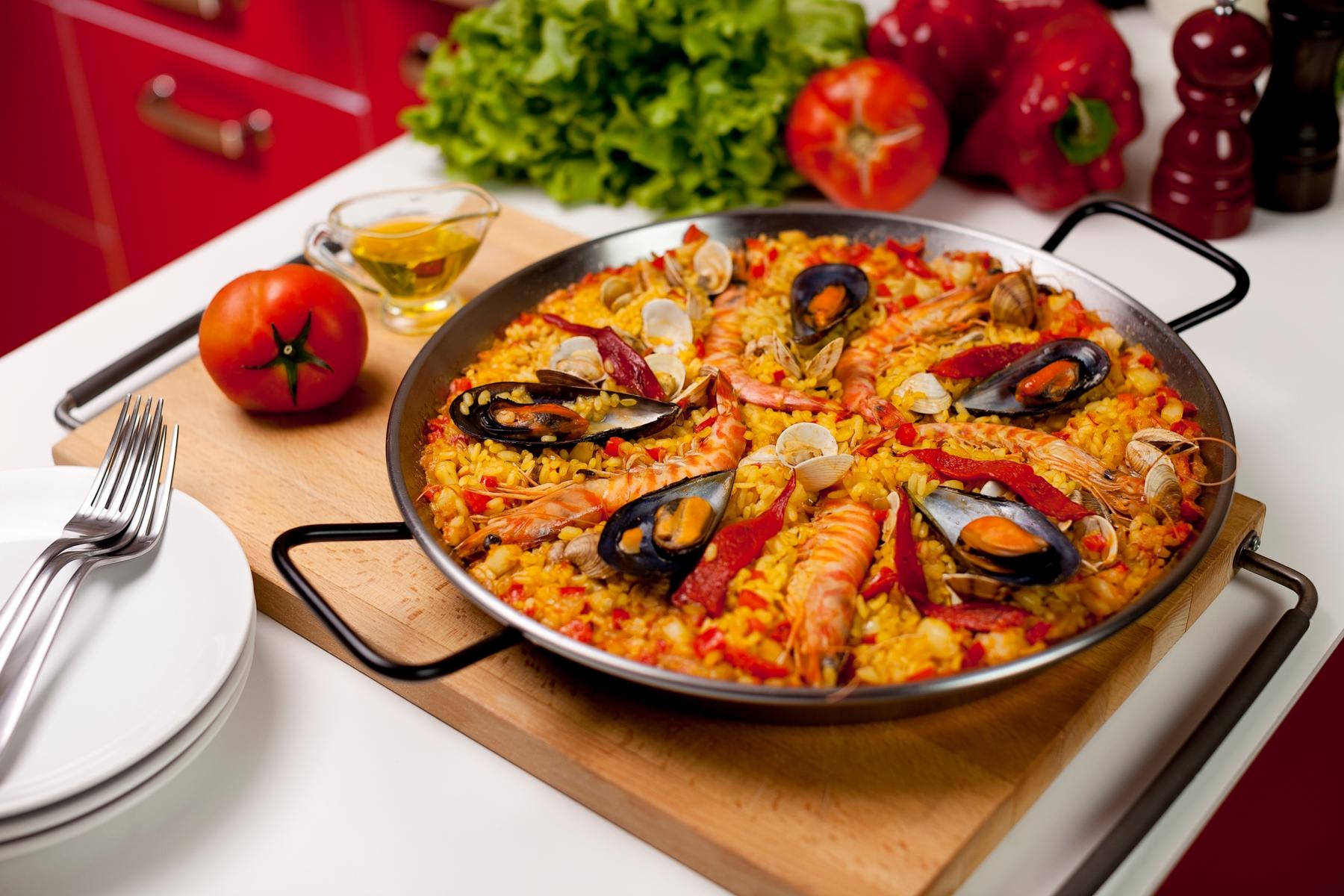 Сочная паэлья с морепродуктами
