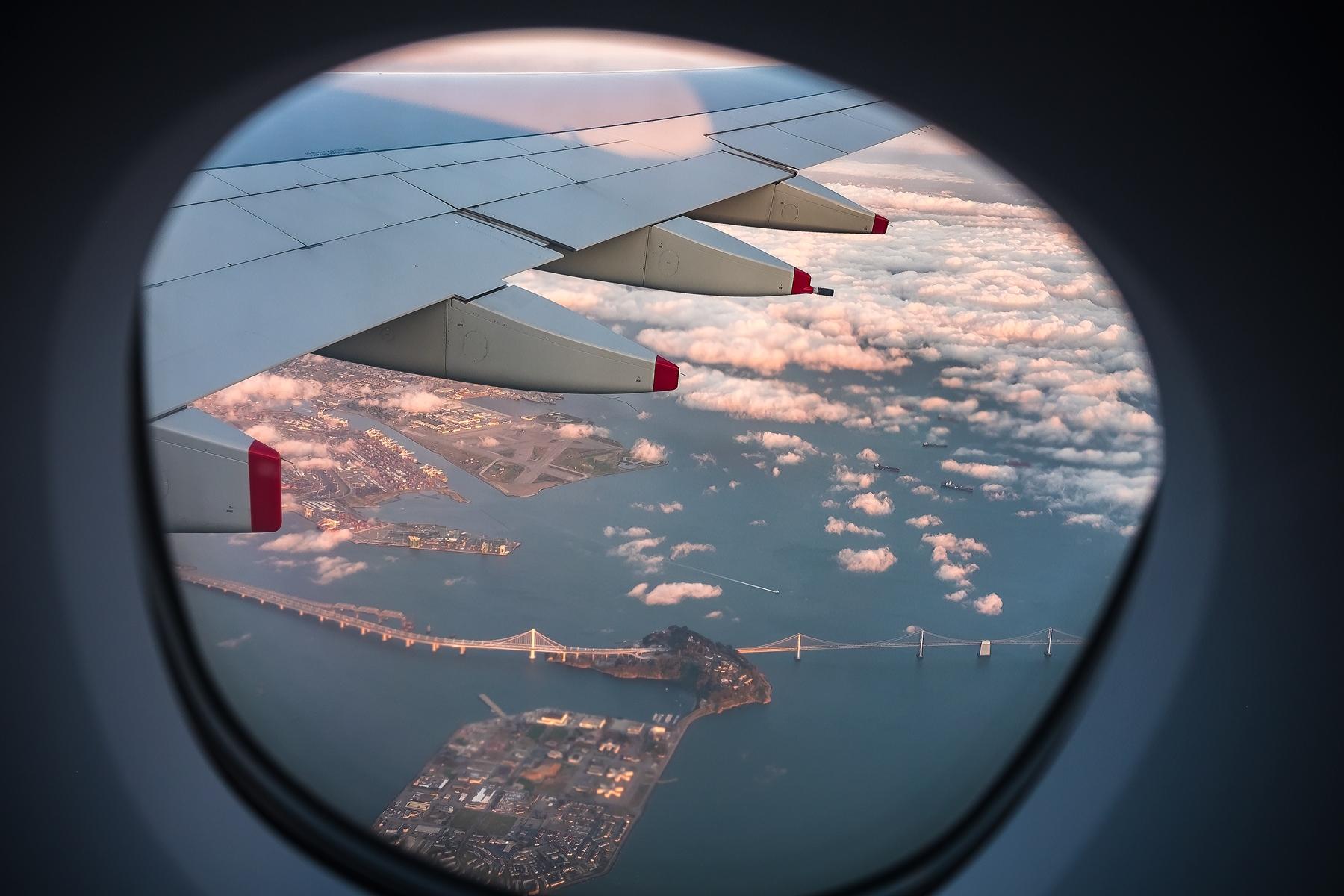 Las compañías aéreas suelen hacerse cargo de ofrecer una alternativa a los viajeros ante un vuelo cancelado o retrasado.