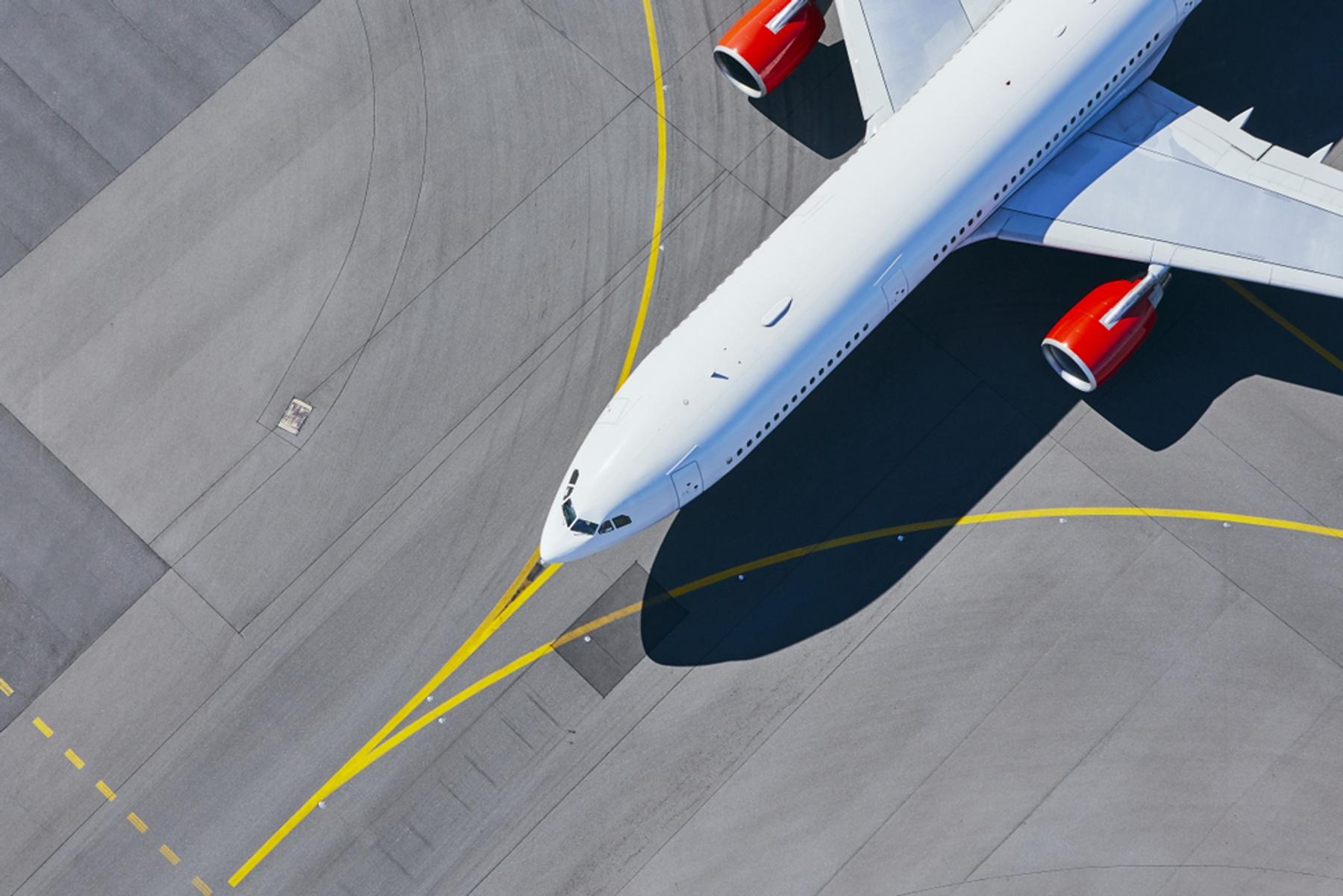飛行機 空港 滑走路