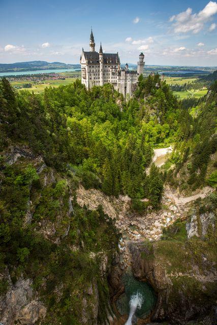 Το παραμυθένιο κάστρο Neuschwanstein είναι απαραίτητη στάση σ' ένα ταξίδι στο Μόναχο