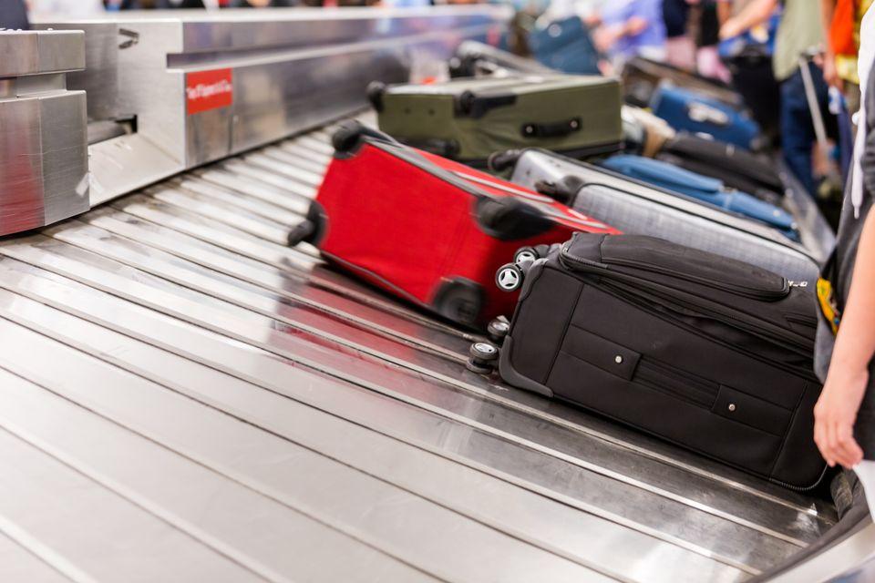 Сортировка багажа в аэропорту