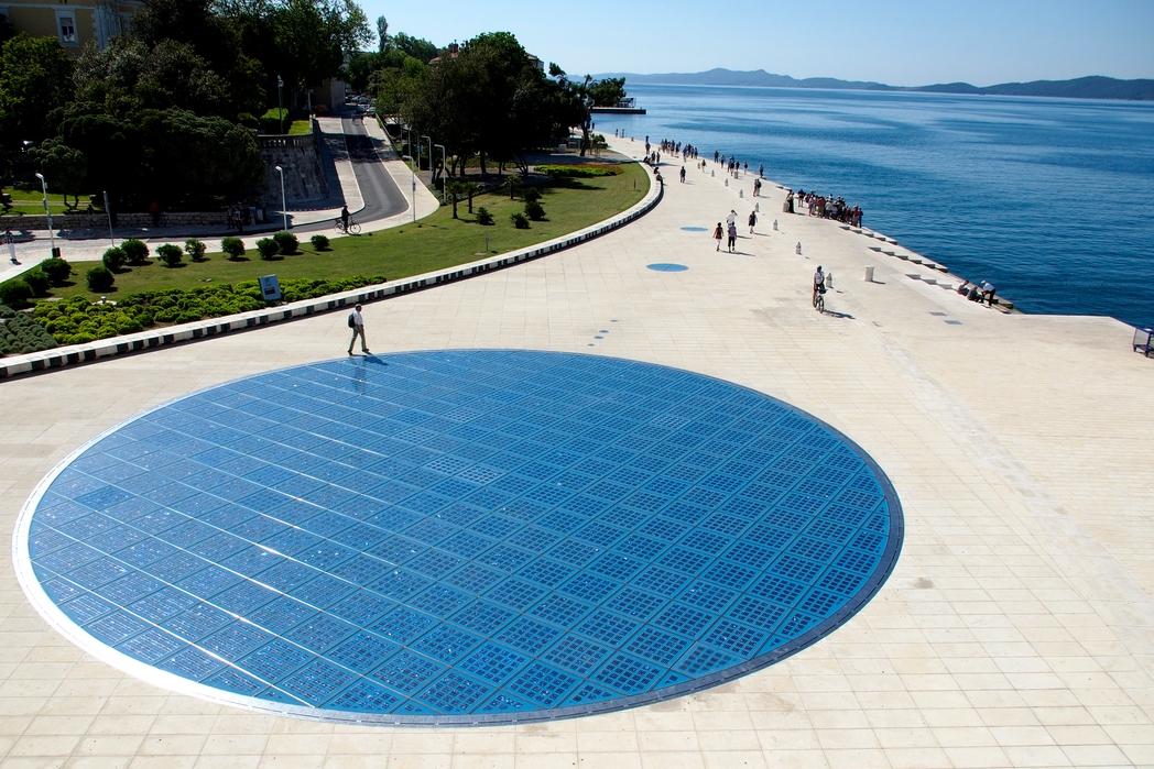 Το Greeting to the Sun, ένα καλειδοσκόπιο χρώματος και ήχου στις όχθες του Ζαντάρ, Κροατία