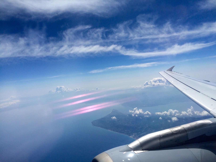 【連載:週末海外の極意21】最高の旅をスタートする!行きの機内での過ごし方