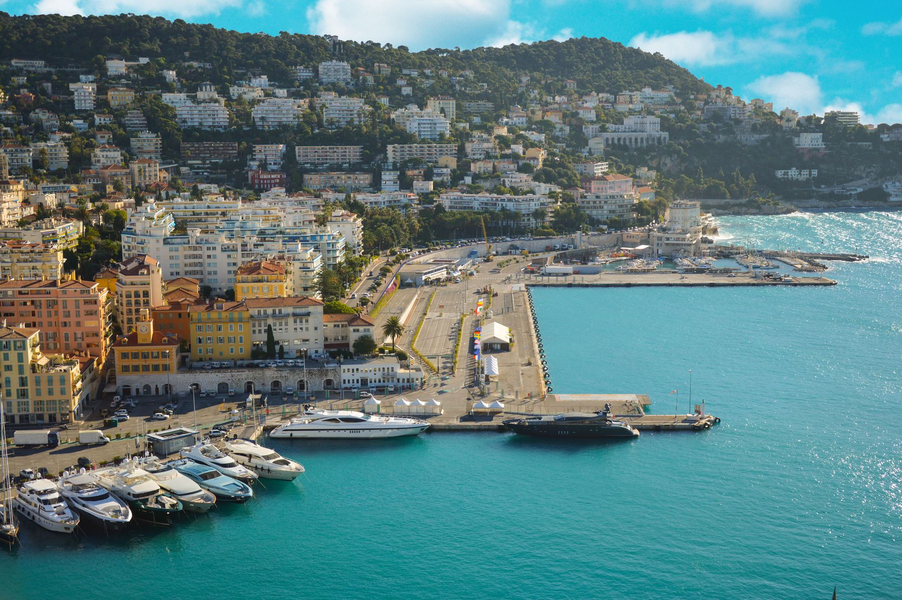Find cheap flights for a summer holiday in Nice, France