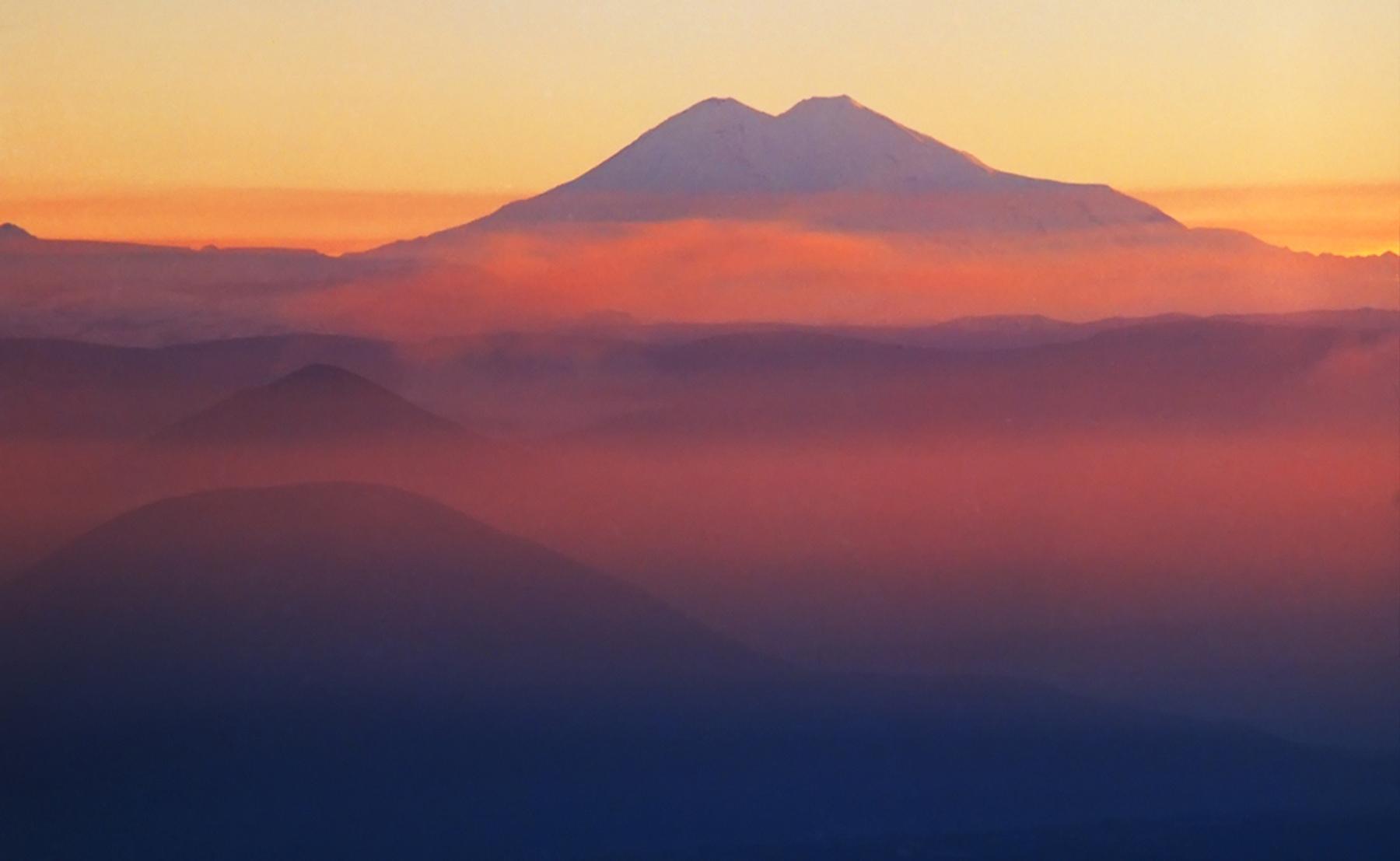 Самые красивые горные вершины России: Эльбрус