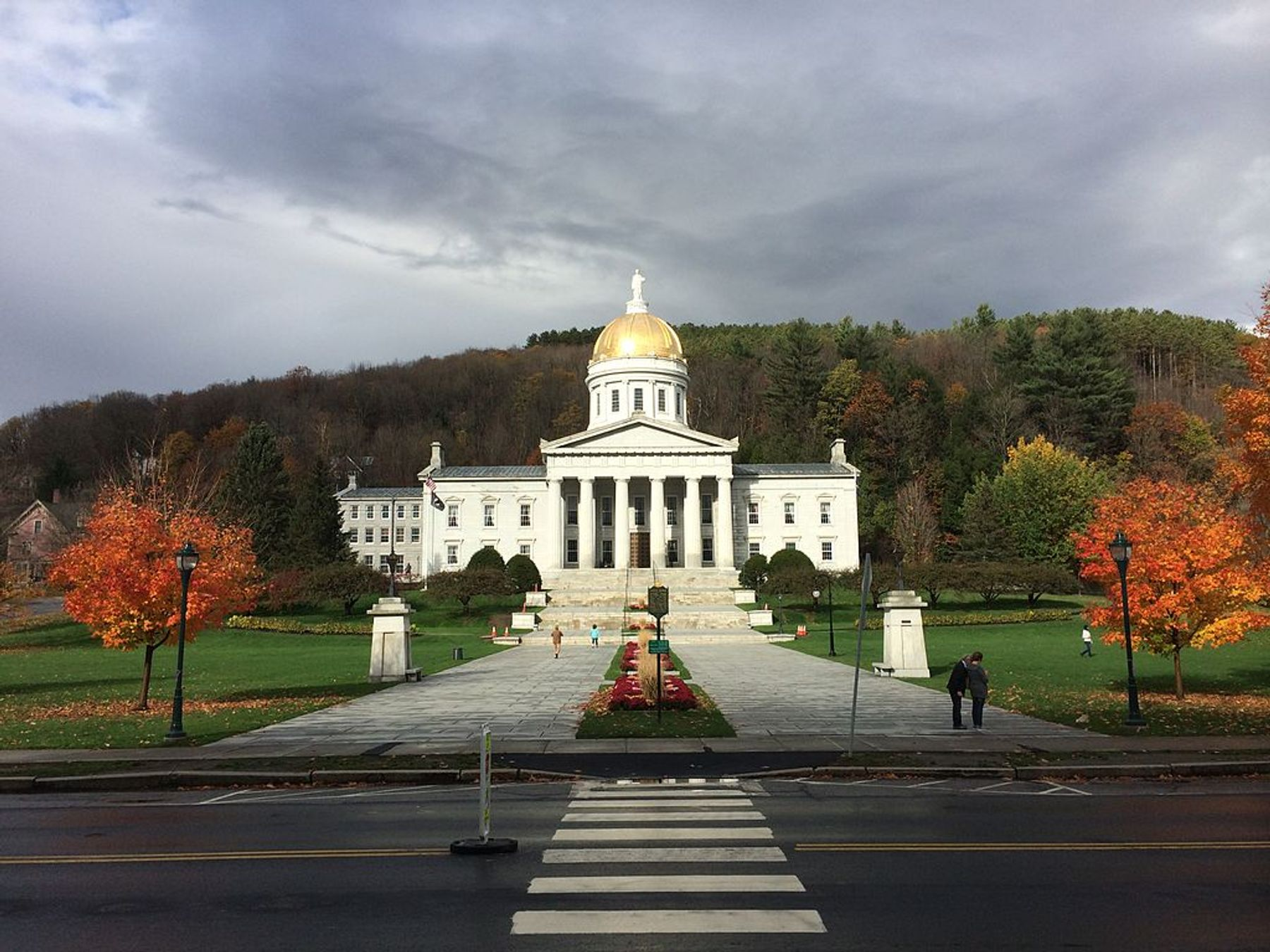 Vermont state house in october