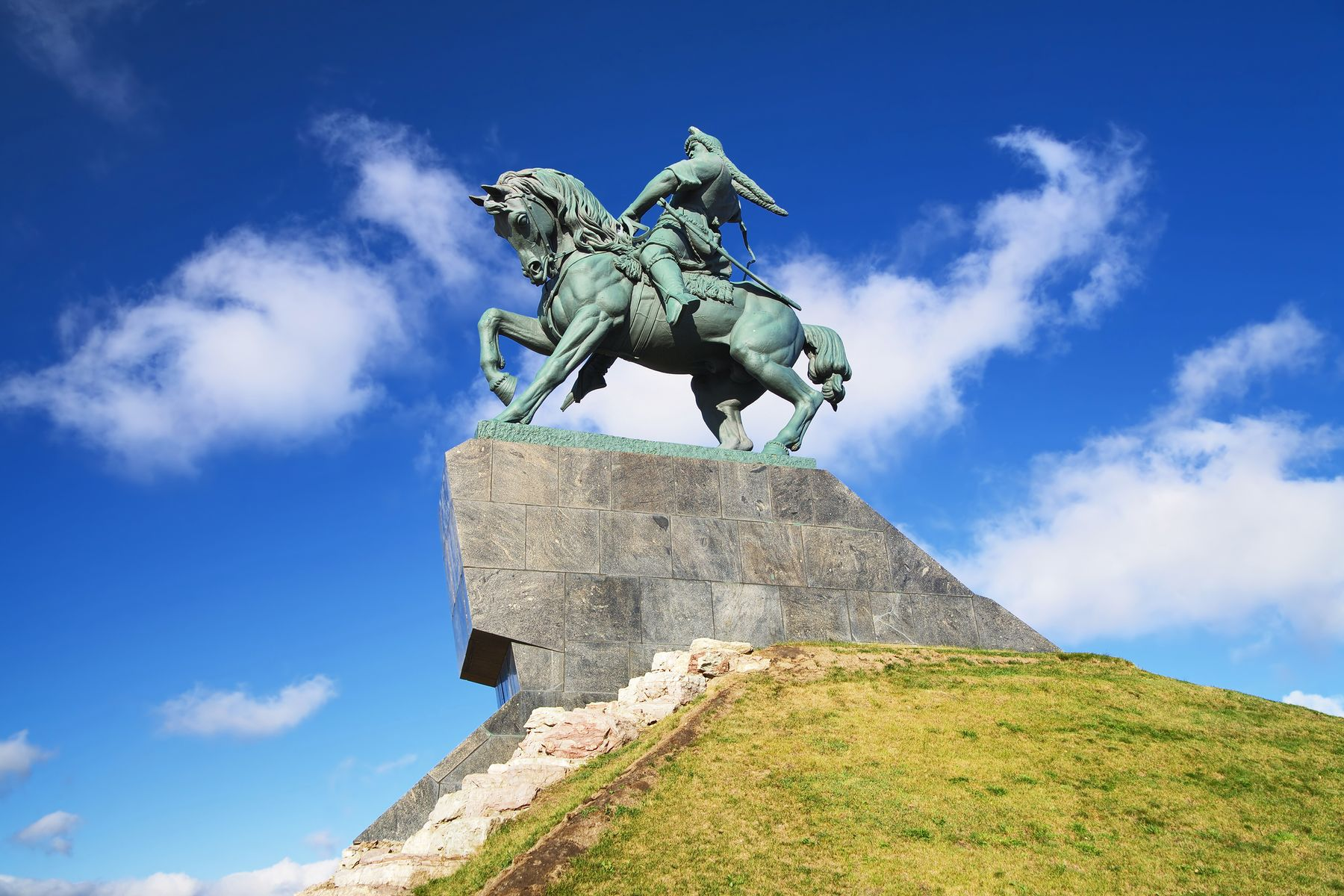 Интересные места России. Памятник Салавату Юлаеву в Уфе, Башкирия
