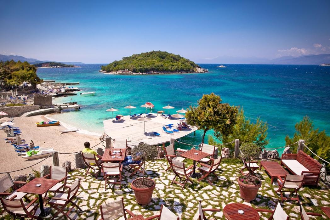 Ksamil, Arnavutluk'ta bir plaj