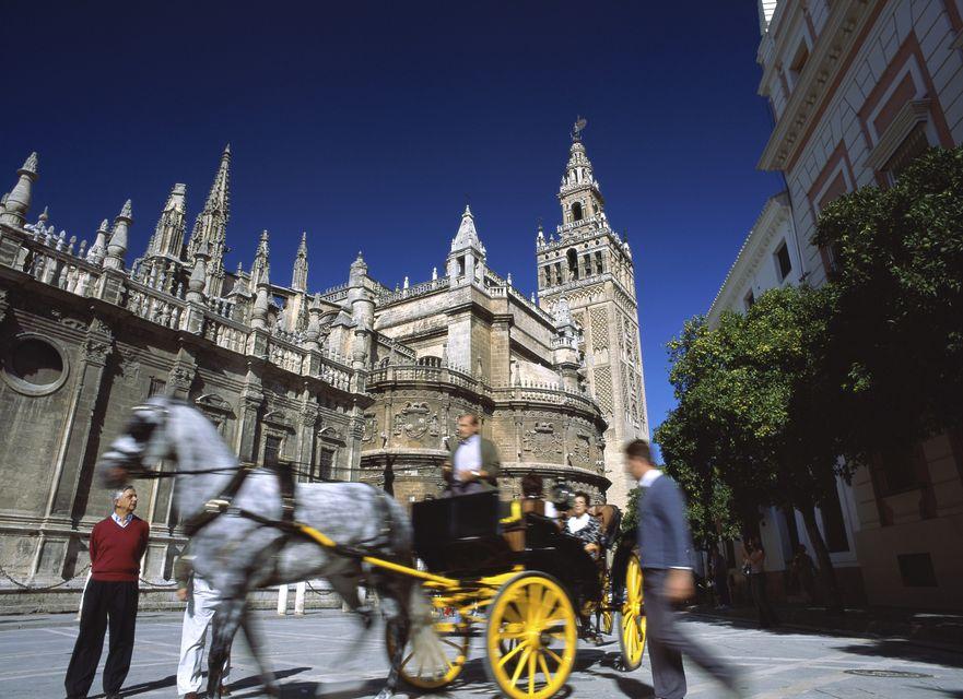Catedral de Sevilla y torre de la giralda