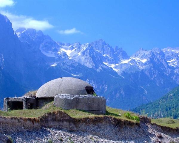 Wakacje w Albanii pod znakiem bunkrów