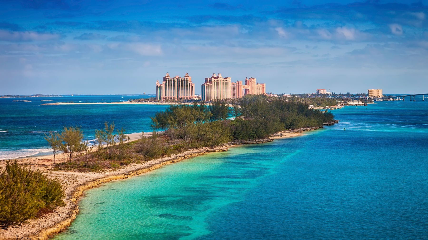 The Paradise Island at The Bahamas makes for a perfect destination for your luxury holidays 2021