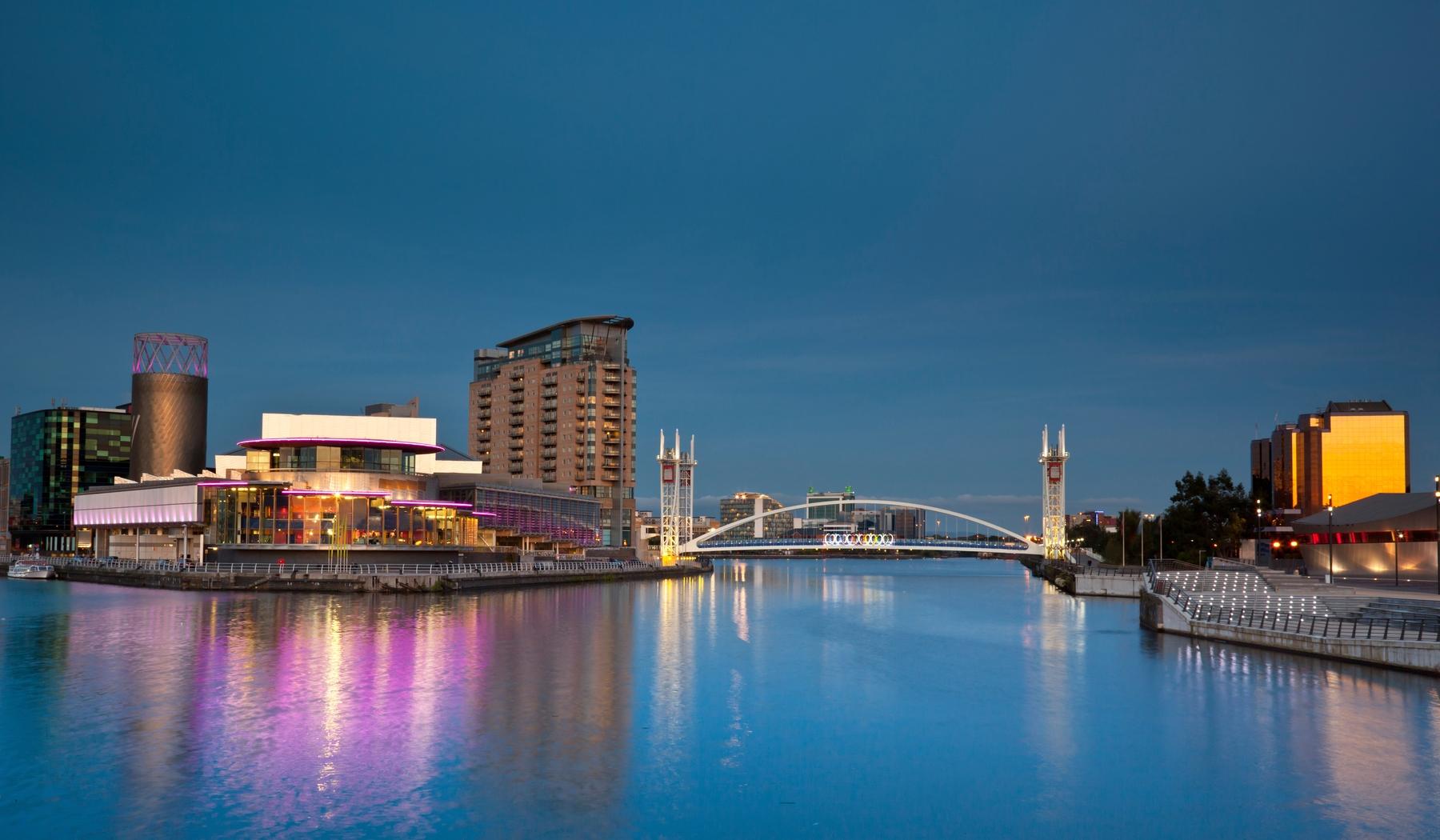 Millennium Bridge in Manchester at night