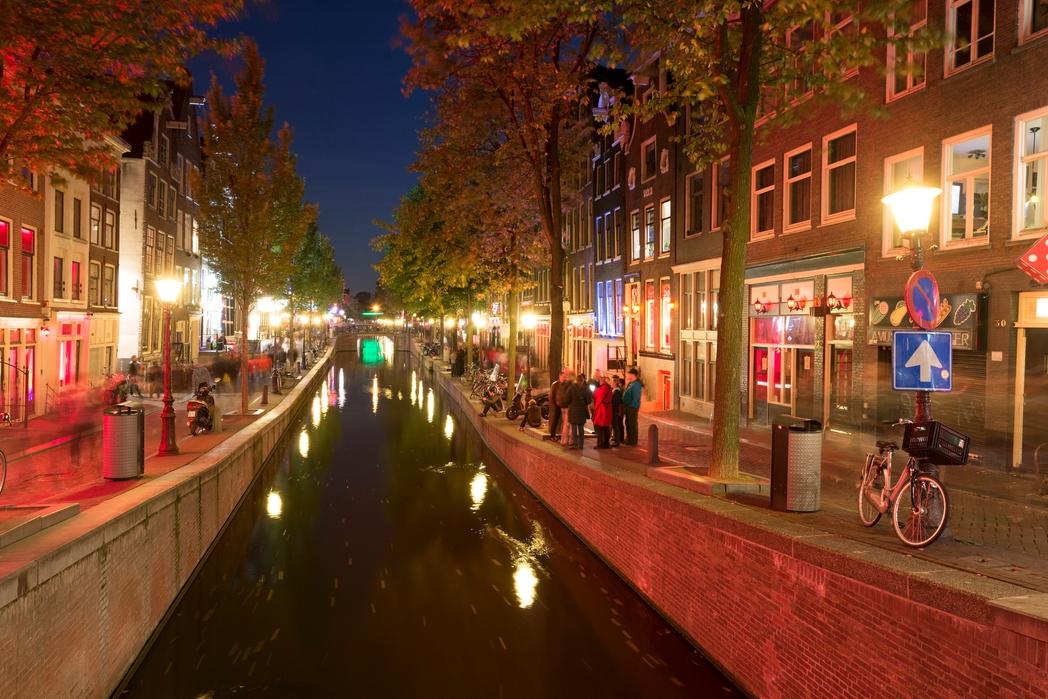Red Light District - το Άμστερνταμ είναι απ' τους τοπ φθινοπωρινούς προορισμούς