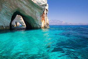 Οι Γαλάζιες Σπηλιές της Ζακύνθου.