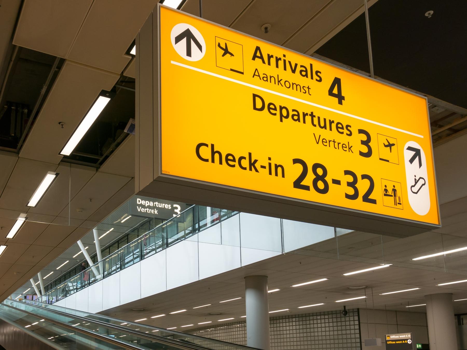 За сколько приезжать в аэропорт, чтобы регистрация на рейс прошла без проблем? Отвечает Скайсканер