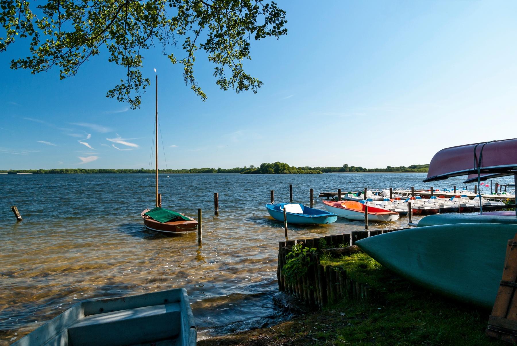 Die schönsten Seen und Badeseen in Deutschland: Schaalsee in Schleswig-Holstein & Mecklenburg-Vorpommern