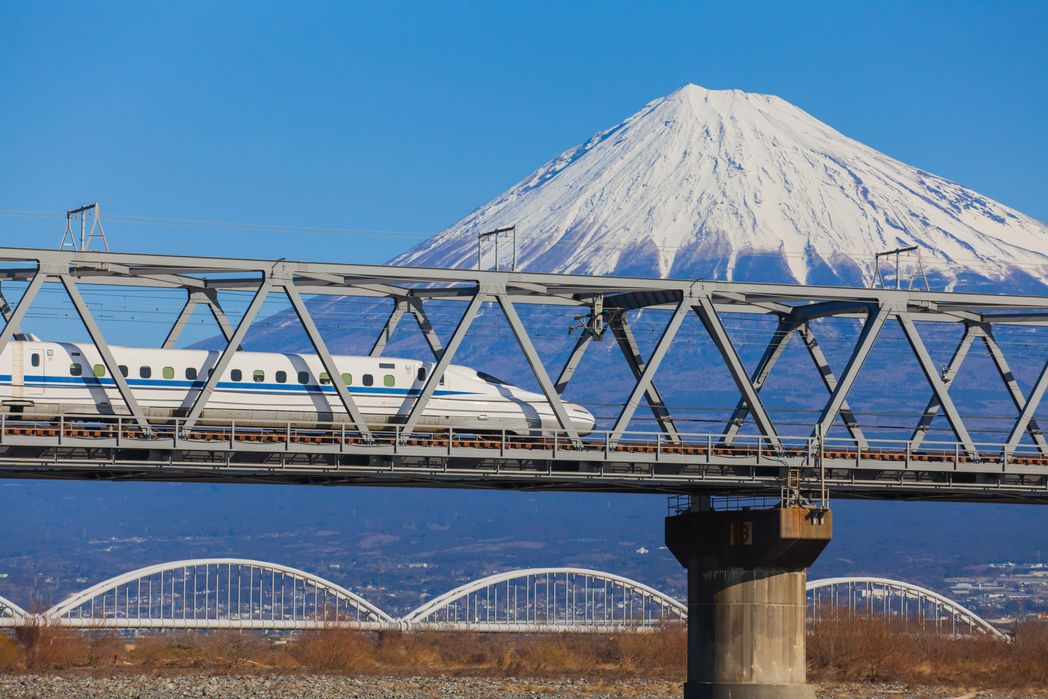 To high-speed τρένο Σινκανσέν στην Ιαπωνία.