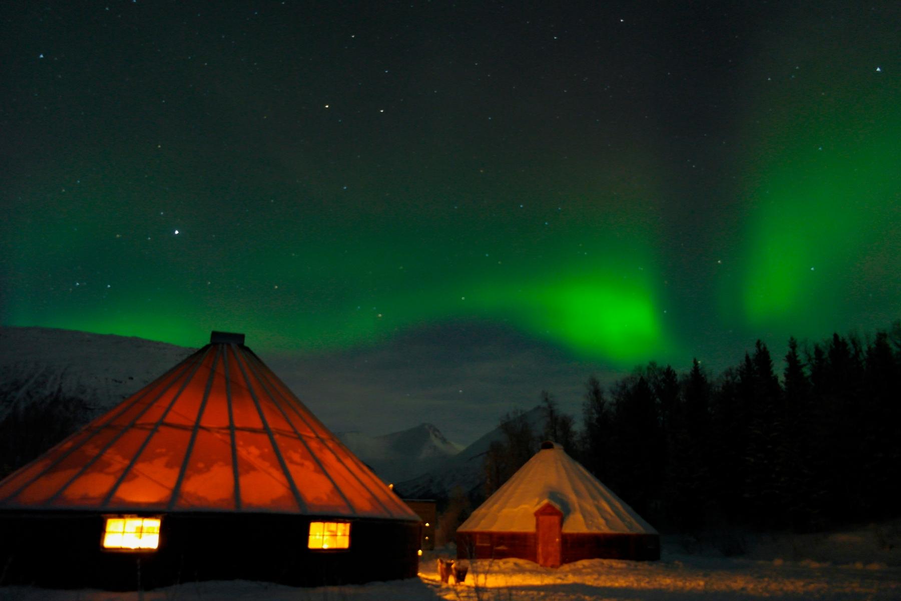 guia para ver la aurora boreal en tromso, que ropa llevar para ver la aurora boreal, donde ver la aurora boreal, luces del norte en tromso, tromso noruega, aurora boreal tromso