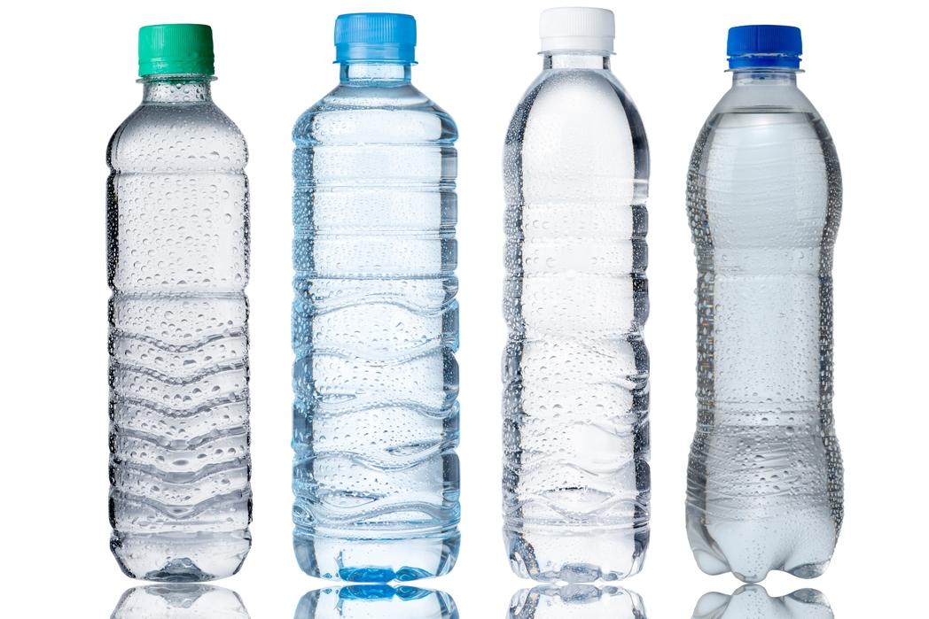 Πλαστικά μπουκάλια με νερό