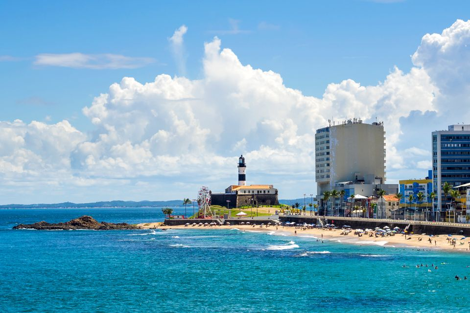 Encontre hotéis em Salvador, clicando na foto!