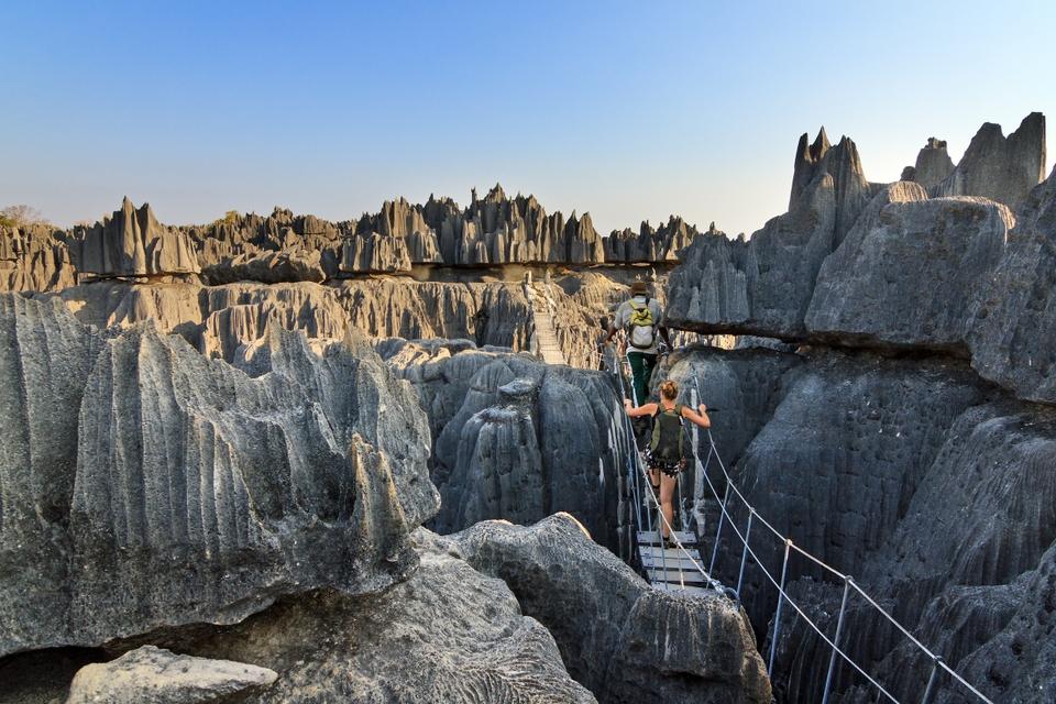 Заповедник острых цинг Цинжи-дю-Бемараха на западе Мадагаскара