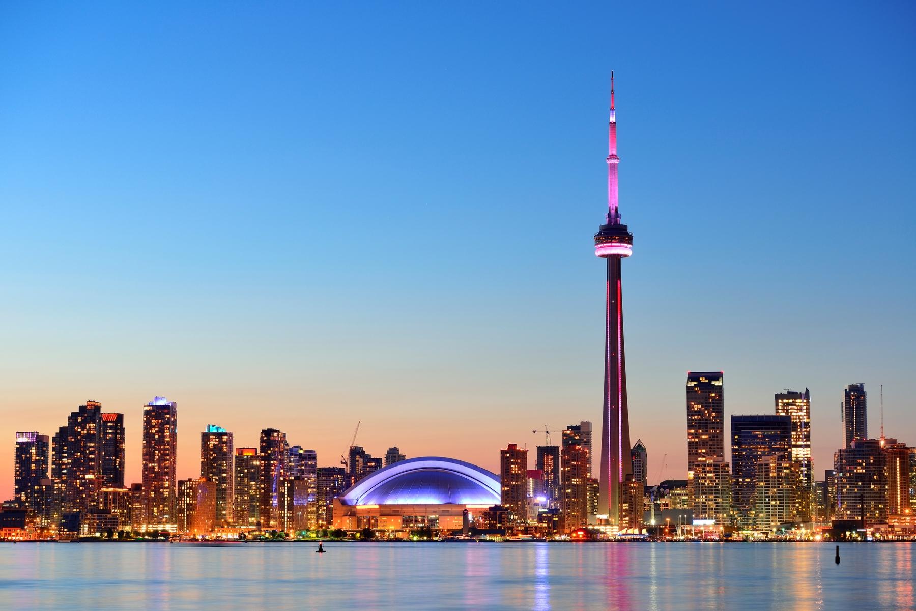 Vue sur le centre-ville de Toronto depuis les îles, Ontario, Canada