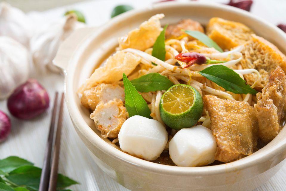 Πιάτο με νουντλς στη Σιγκαπούρη