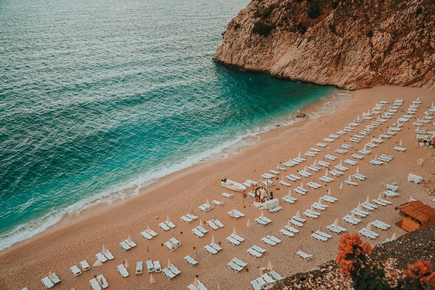 Где отдохнуть в июне: пляж в Турции