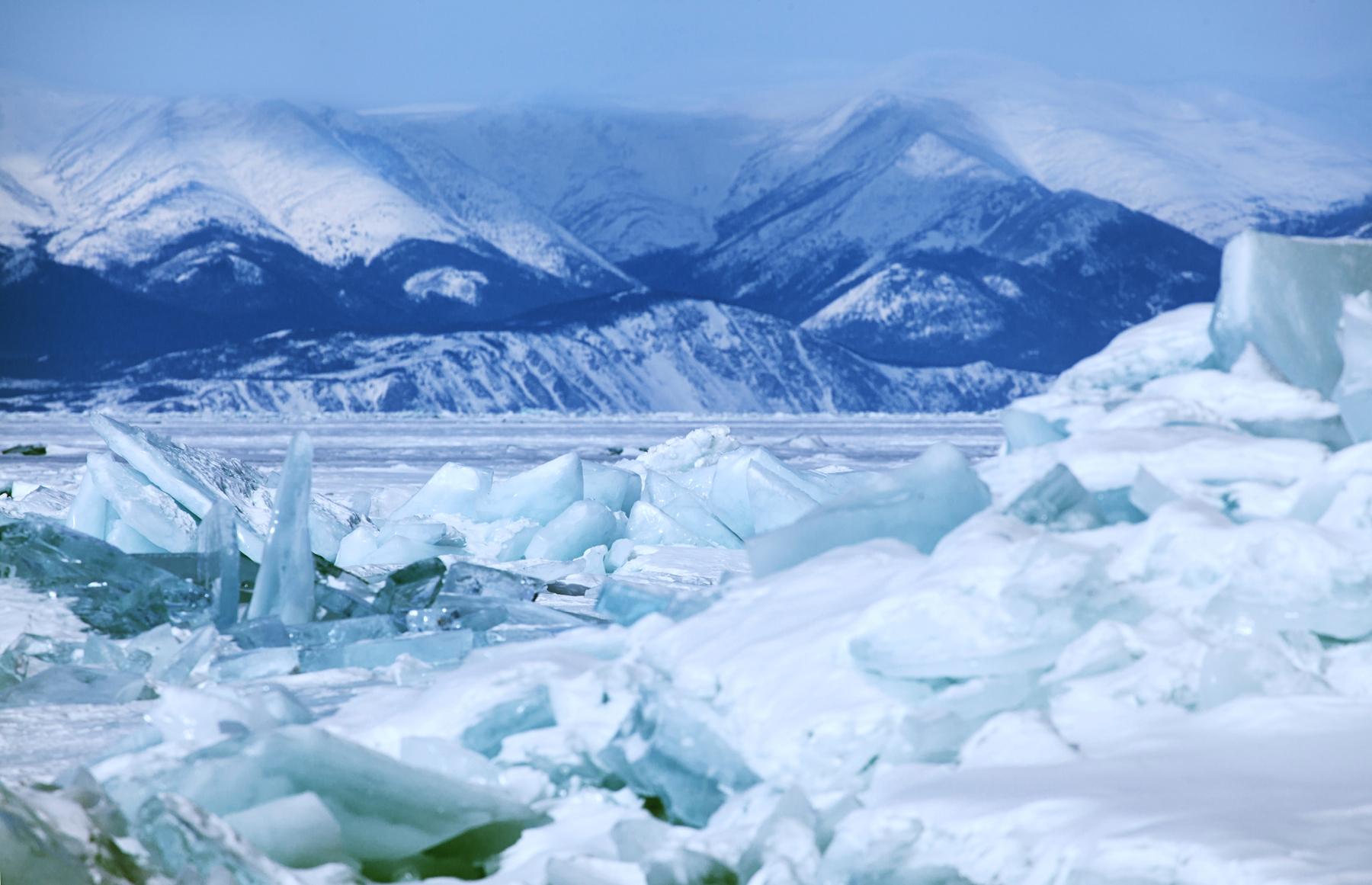 Куда поехать в России: озеро Байкал и другие самые красивые места