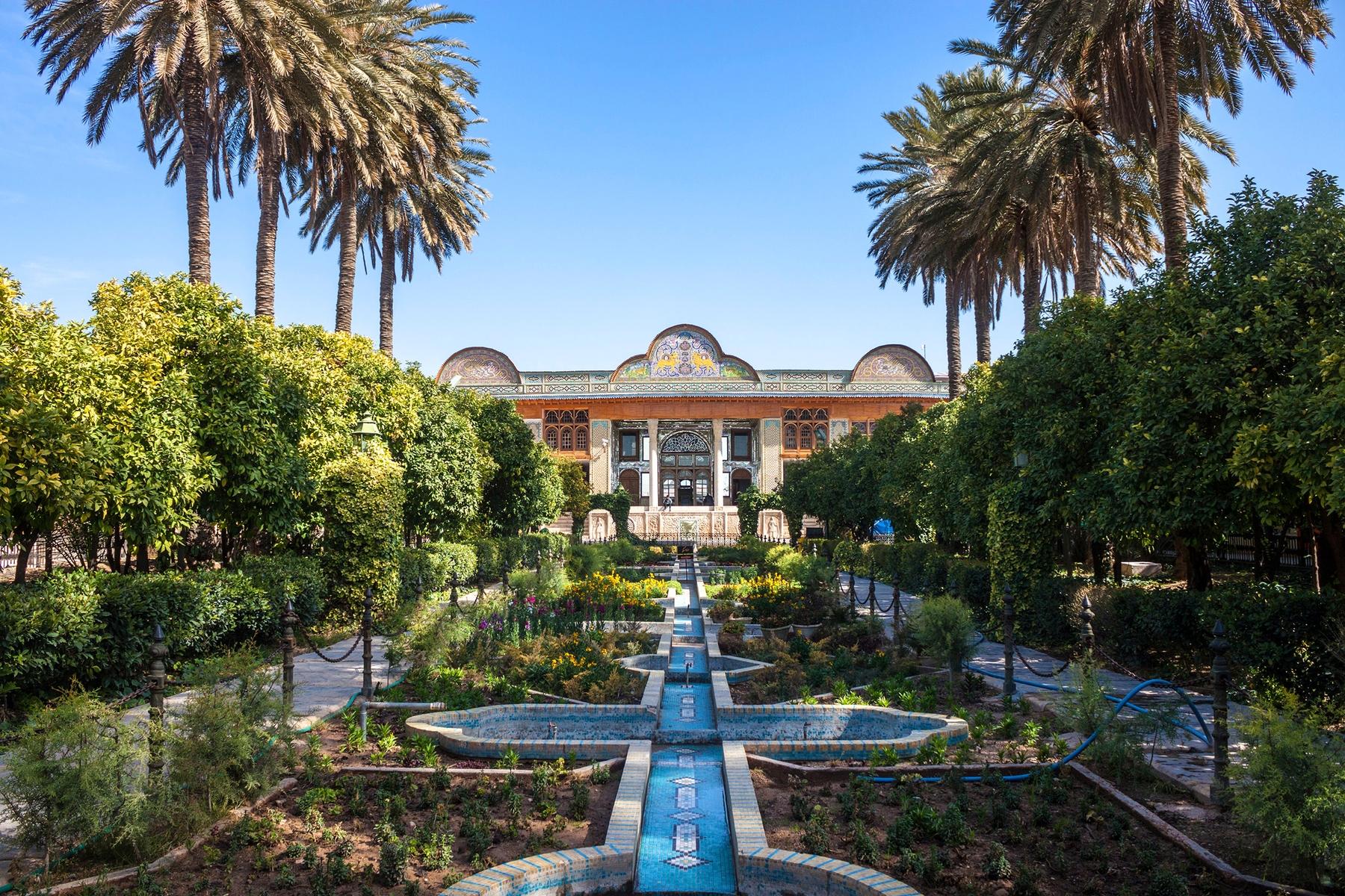 Países más grandes: Monumento en Irán