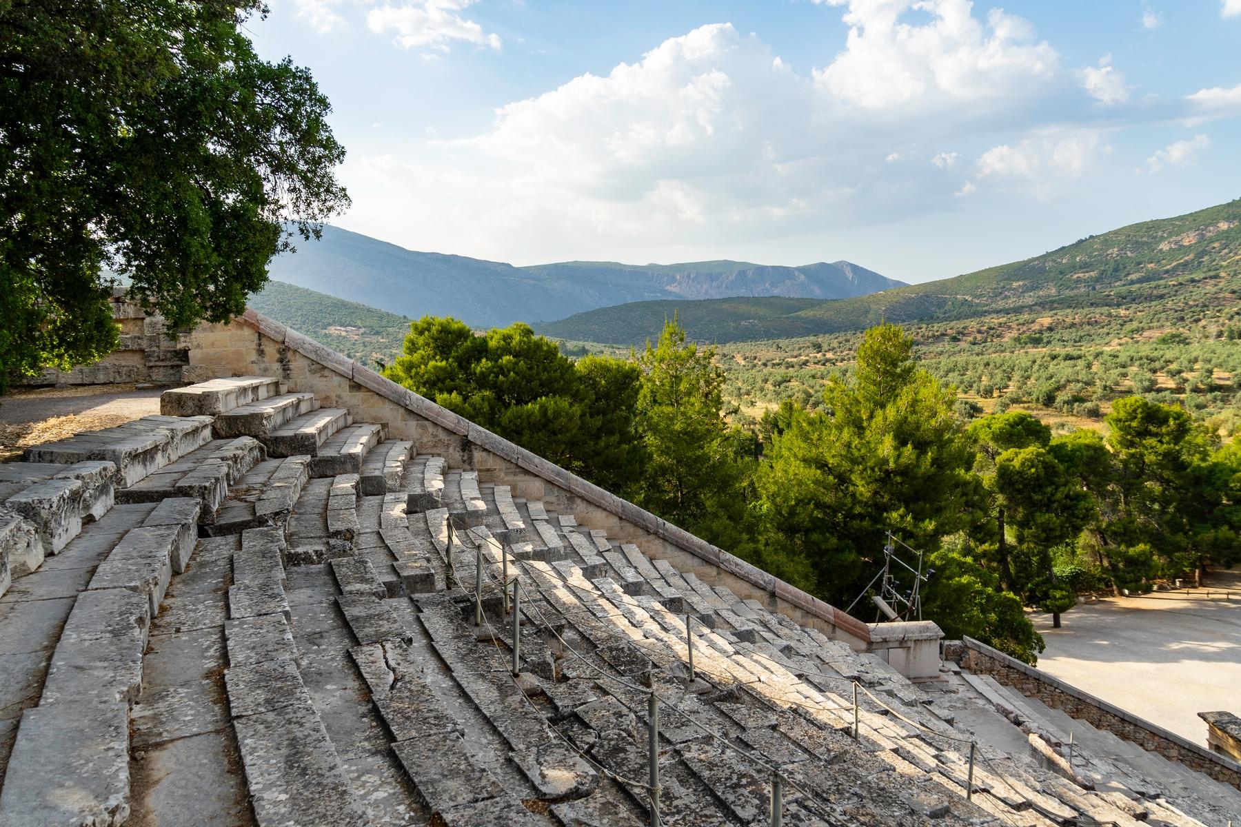 Escadas do anfiteatro da cidade de Argos, na Grécia.