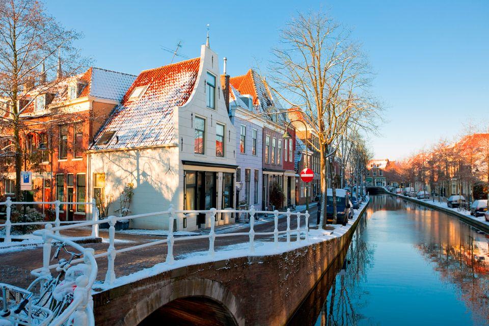 Канал в городе Делфт, Нидерланды
