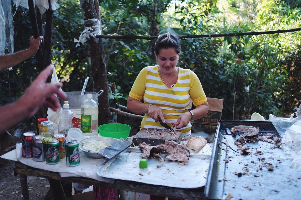 Préparation de sandwich au poulet
