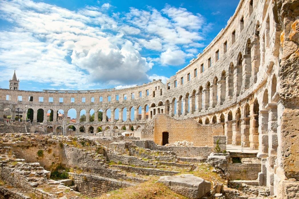 To ρωμαϊκό αμφιθέατρο στην Πούλα, στη χερσόνησο της Ίστριας