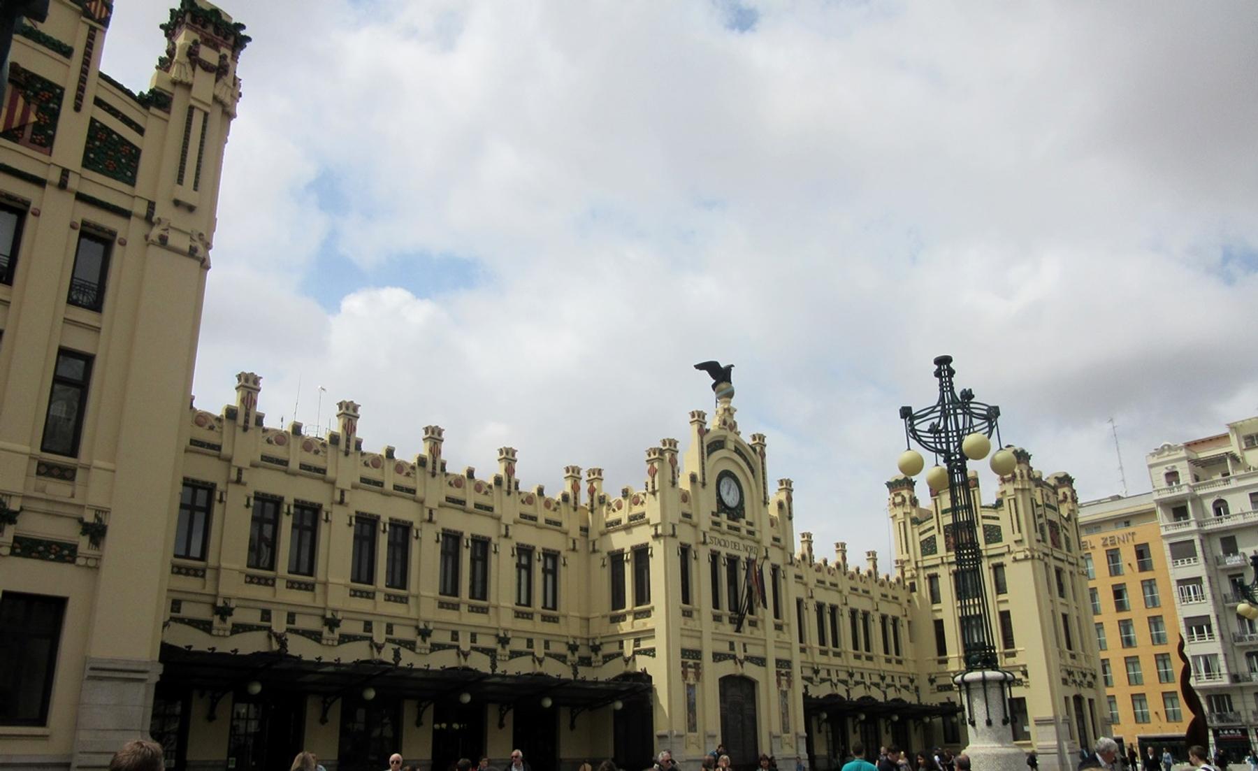 Fachada Estación del Norte Valencia