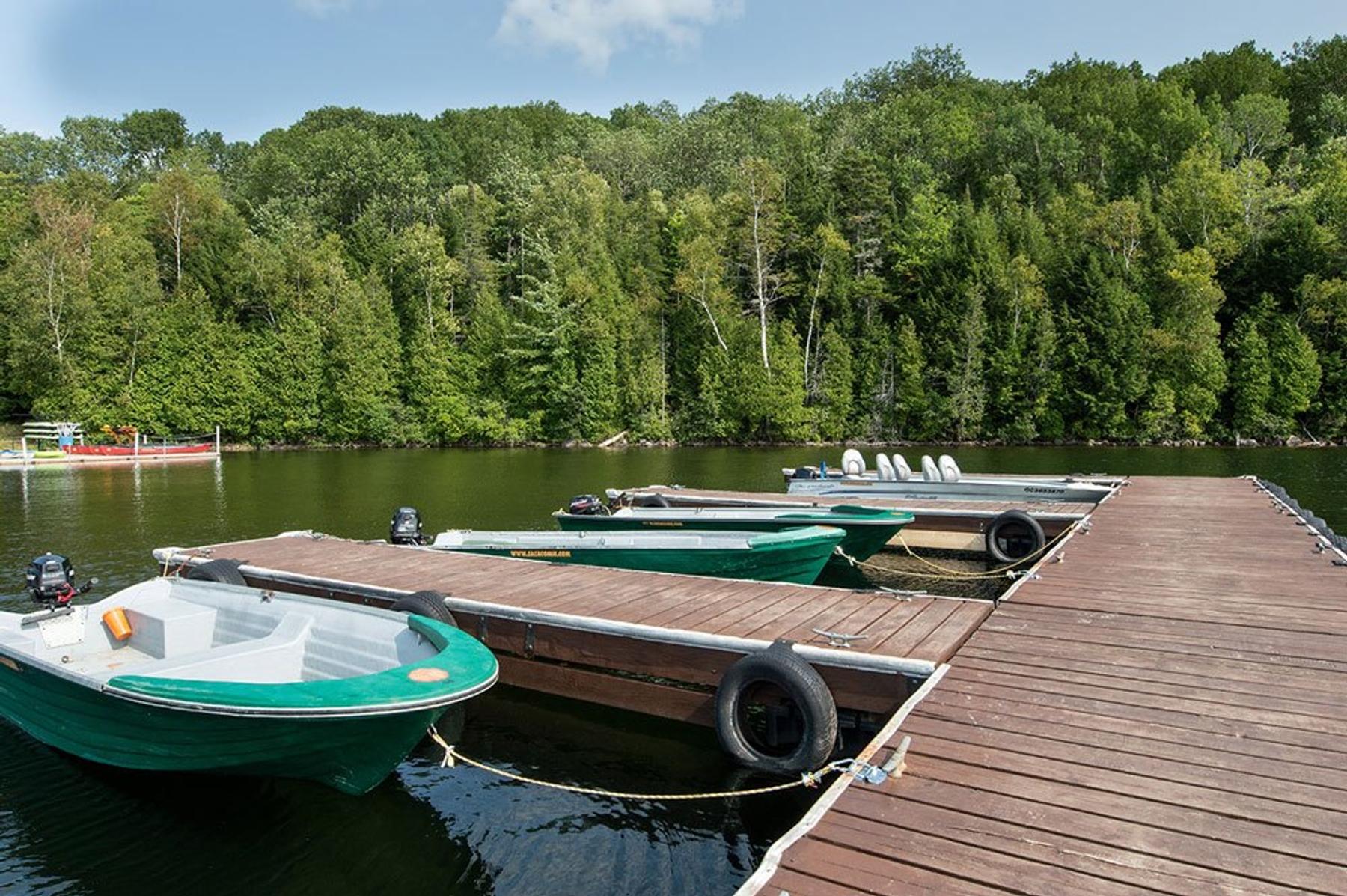 Boat dock at Sacacomie beach hotel