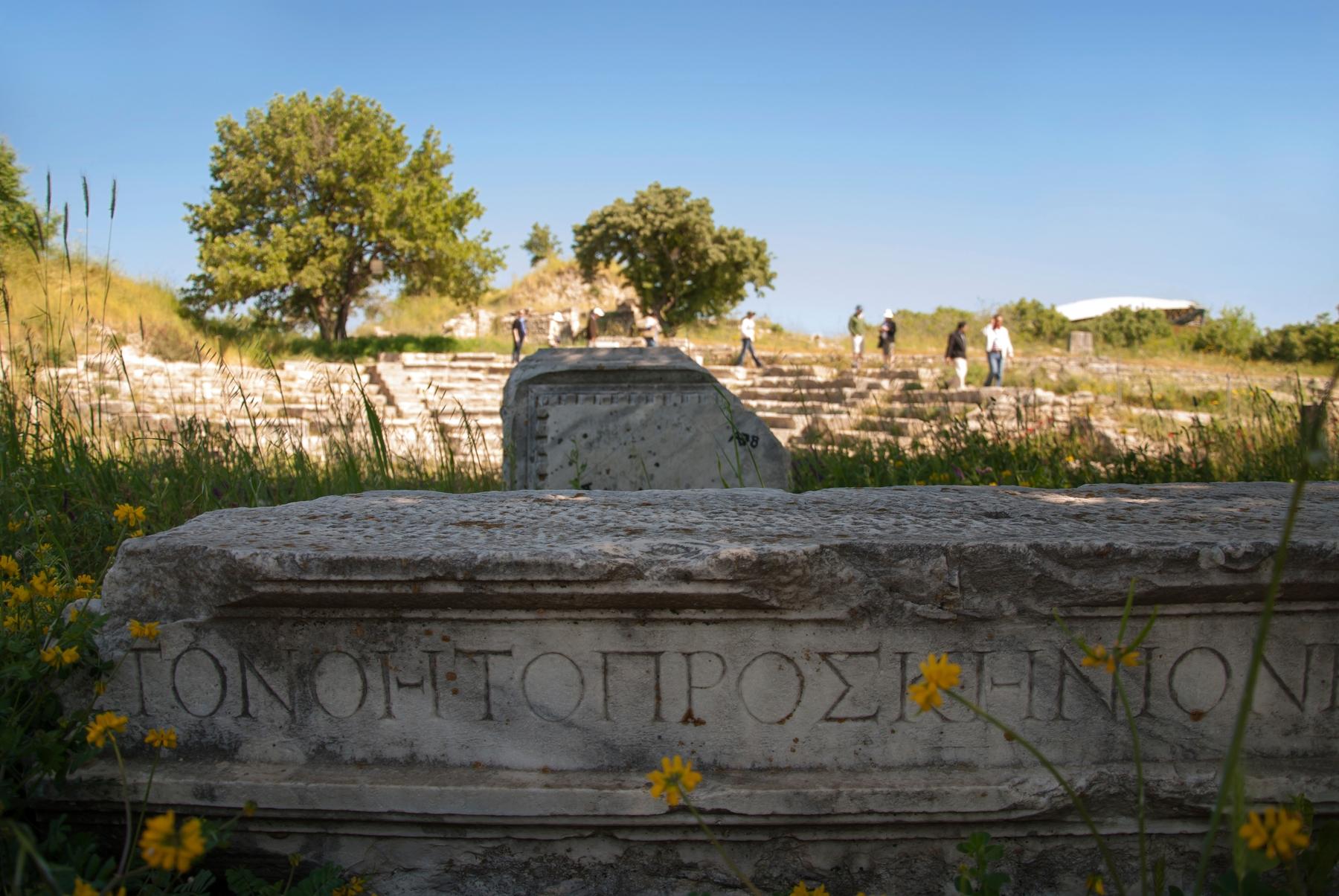Руины, оставшиеся от великого древнего города Трои на территории современной Турции