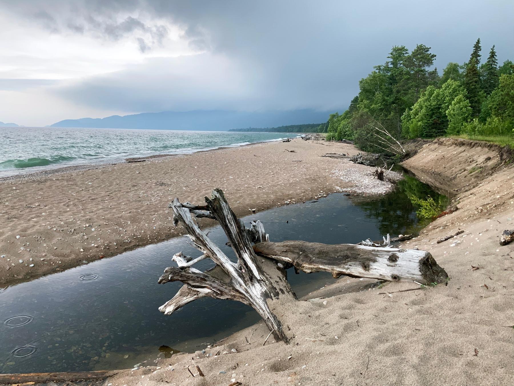 the shoreline of Lake Superior in Canada, Agawa Bay